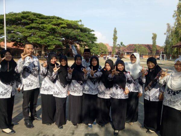 Kegiatan PGRI di SMP Negeri 1 Sarang